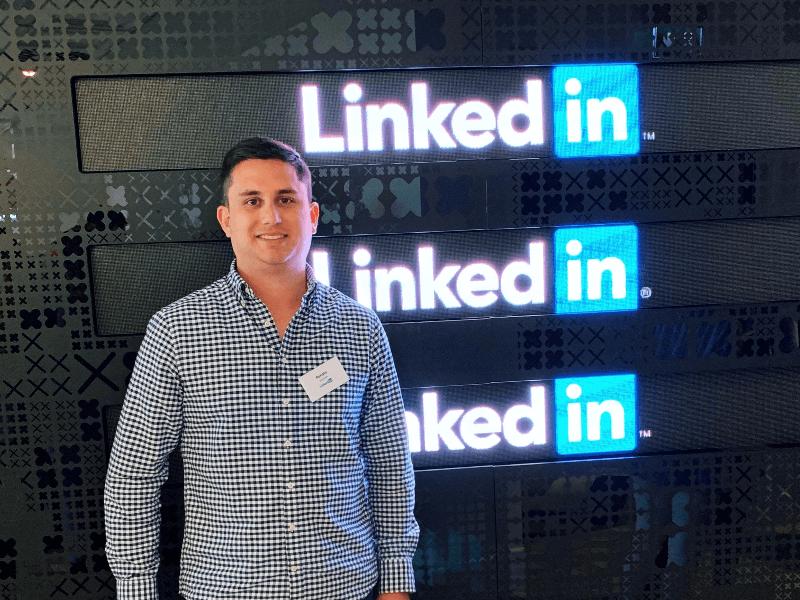 Renato Guzmán, renato guzmán guerini, especialista LinkedIn, experto en marketing B2B, experto en LinkedIn, profesionales Social Selling, profesional venta digital, marketing digital tenerife, LinkedIn expert,